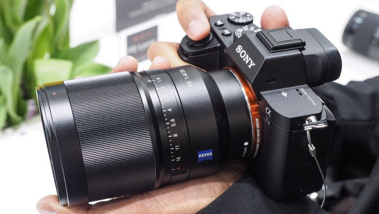 Sony to reduce FE lens startup speeds with new firmware updates
