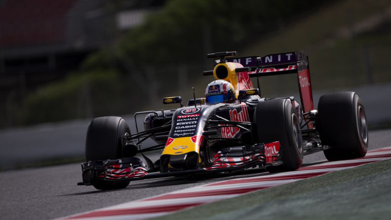Gasly gets on the gas during Infiniti Red Bull Racing test session