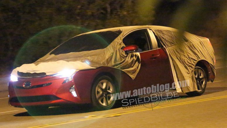 2016 Toyota Prius spied totally uncovered