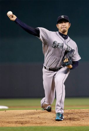 Cano HRs help Iwakuma notch 9th win