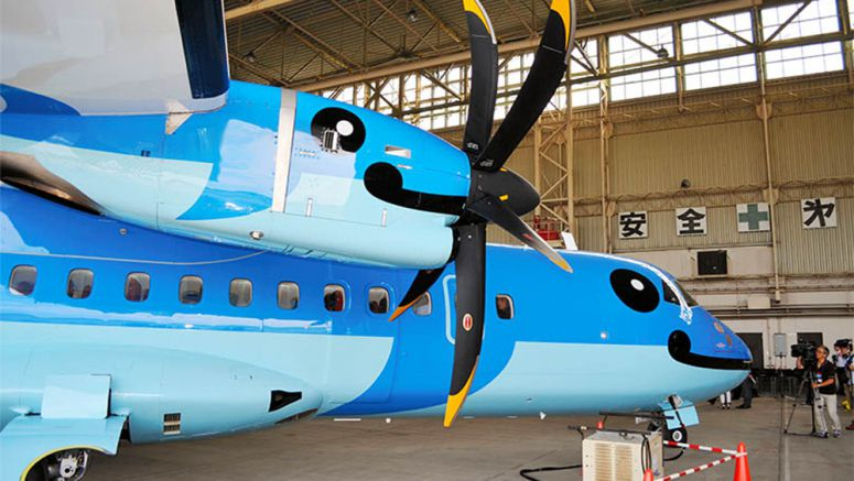 Dolphins, Kumamon grace body of Amakusa Airlines' new aircraft