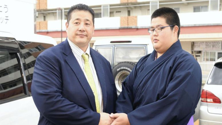 Sumo : Teen gets good start on living up to legacy