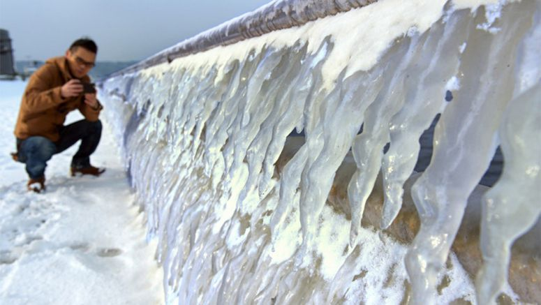 Lake Shinjiko icicles dazzle as cold snap gets creative