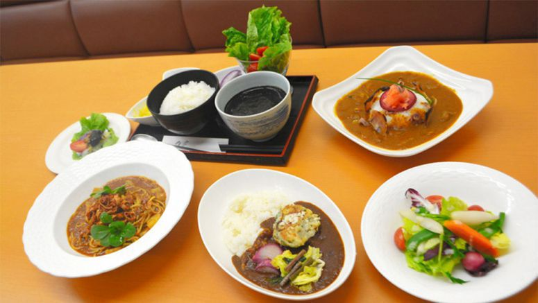 Toyama restaurants team up to promote yellowtail for curry dishes