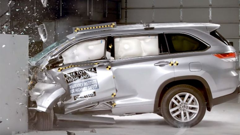 2016 Toyota Highlander Rewarded IIHS Top Safety Pick Plus