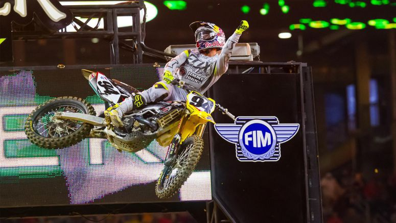 Roczen and Suzuki Back on Top at Texas Supercross 2016