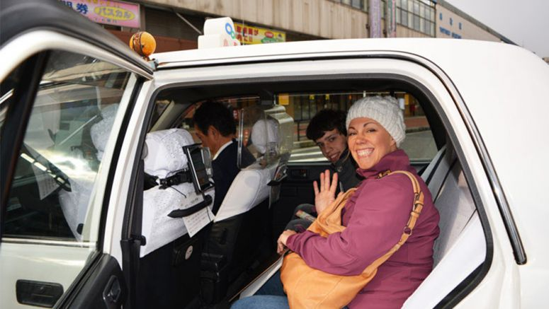 Bargain 1,000-yen taxi tours offered to foreign tourists in Tottori