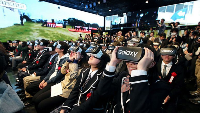 Virtual reality entry ceremony for online school held in Roppongi