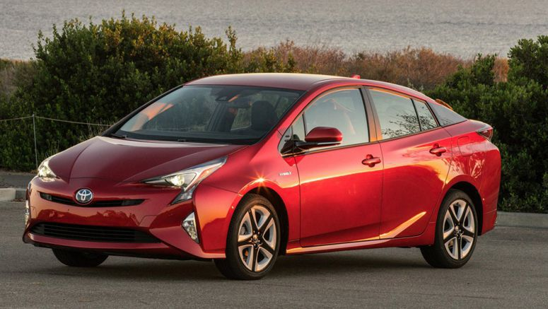 Toyota Prius is Now the MPG King, According to Consumer Reports