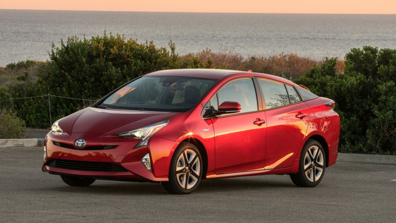 2016 Toyota Prius Recalled for Airbag Issue
