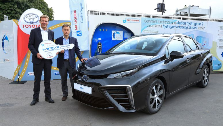 Toyota delivers its first Mirai hydrogen fuel cell in France to Air Liquide