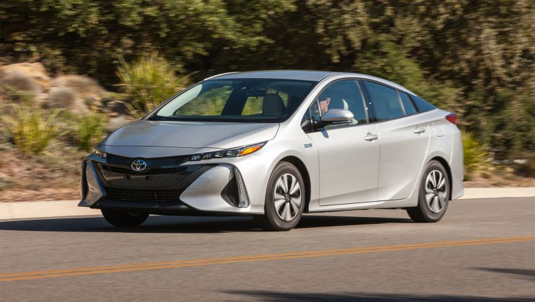 2017 Toyota Prius Prime starts at $27,100 for 25 EV miles and 54 MPG