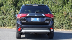 5 Things You Should Know About the Mitsubishi Outlander PHEV