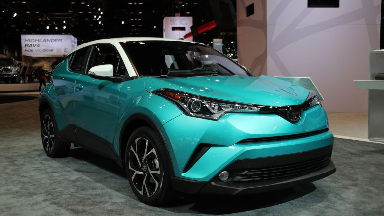 2017 Chicago Auto Show: The 2018 Toyota C-HR will get a contrasting-color roof option, nifty teal paint