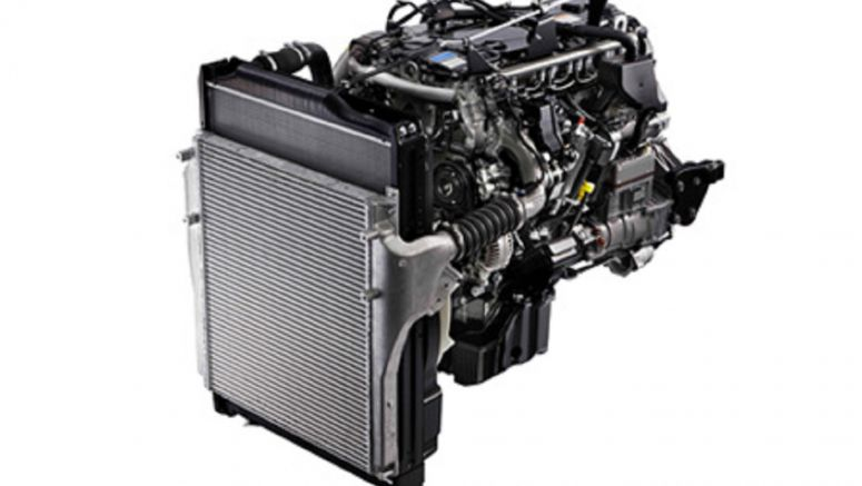 Fuso Cuts Weight of Truck Engine by 40% Without Lowering Output