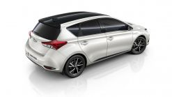 Toyota Adds Bi-Tone Edition To Auris Hatch & Touring Range