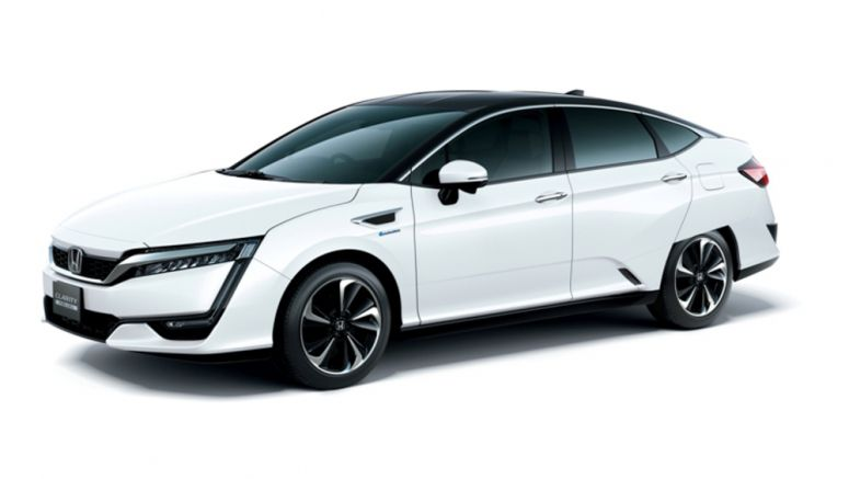 Honda to Test Operation of FCV Taxis