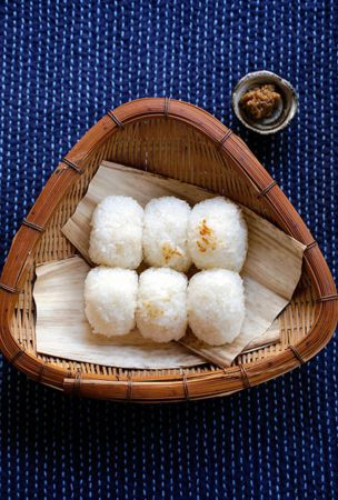 'Onigiri' made with rice cooked on venerable wood stove