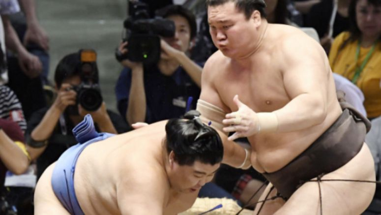 Sumo: Hakuho busts Shodai to continue march toward career wins record