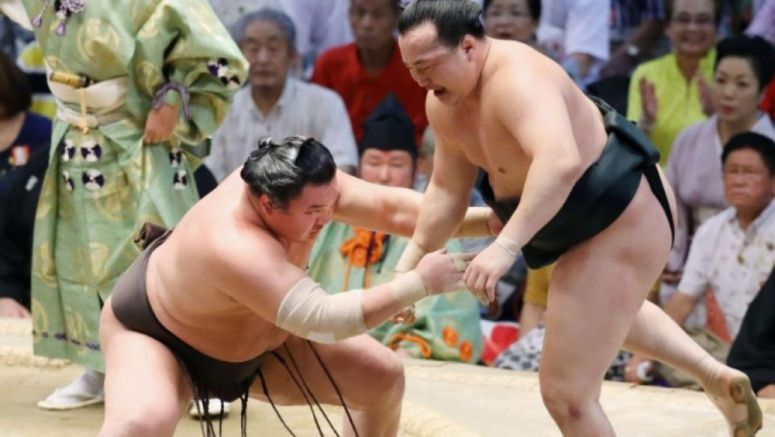 Sumo: Hakuho gets 1,046th win, one shy of Kaio's all-time record