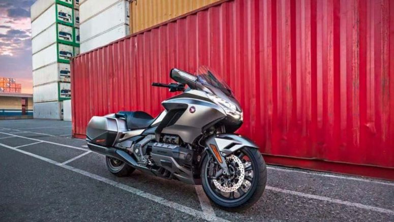 Leaked 2018 Honda Gold Wing shows off new suspension, hints at DCT