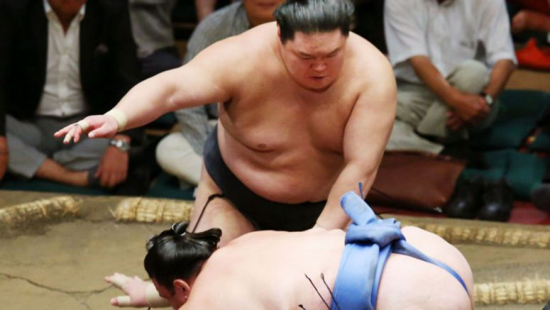Sumo: Goeido takes sole lead at Autumn meet, holds on to ozeki rank