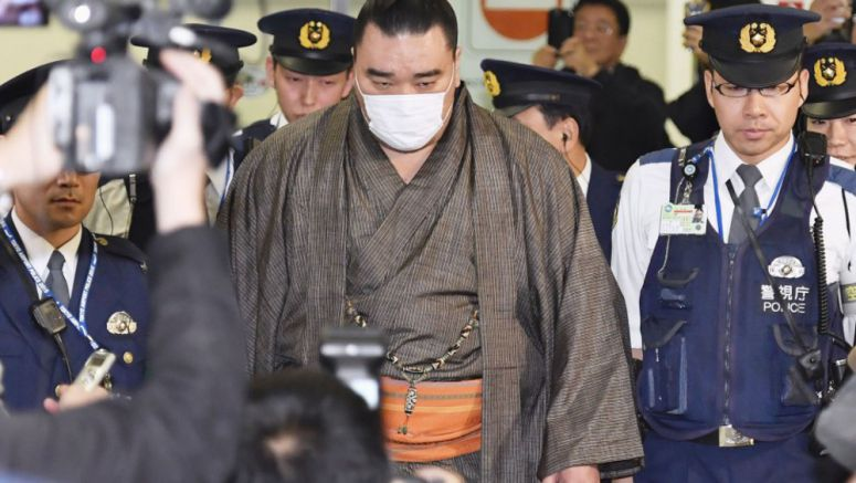 Sumo star Harumafuji questioned for alleged assault