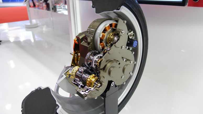 NSK's In-wheel Motor Contains 2 Motors, Transmission