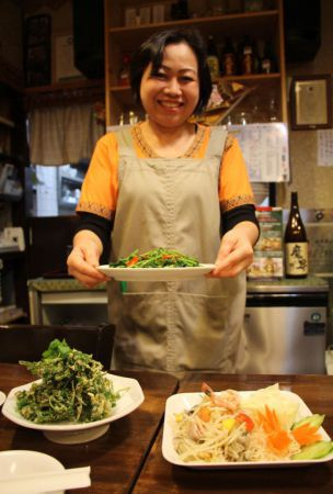 Eating out / Thai restaurant touts use of homegrown organic ingredients