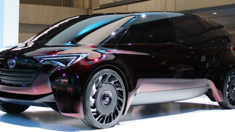 Toyota Shows Off Long-drive-range FCV Concept (1)