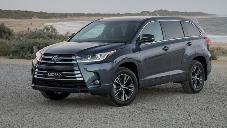 2018 Toyota Kluger pricing and specsAEB, adaptive cruise and lane-departure warning now standard