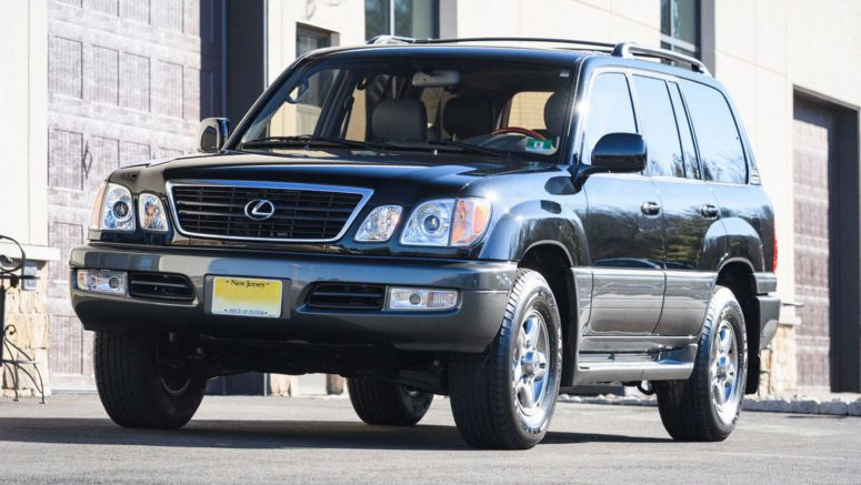 This 'New' Lexus LX 470 Was Stolen In 2001; Now It's Being Sold For $140k With 1k Miles