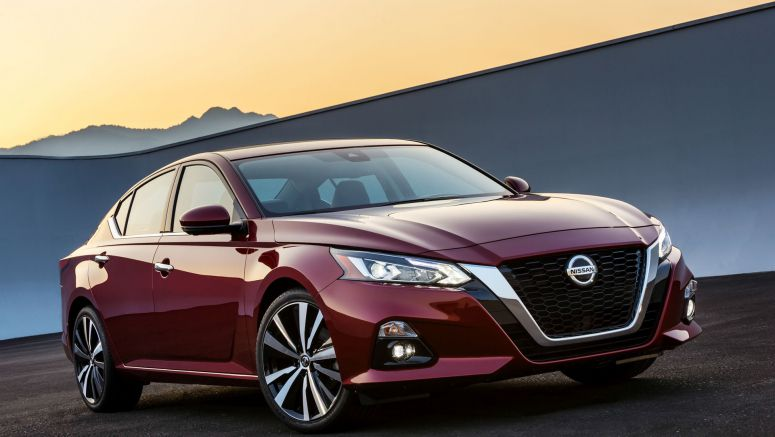 2019 Nissan Altima wants to shake up midsize sedans