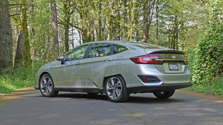 2018 Honda Clarity Plug-In Hybrid Quick Spin Review | Behold, the relevant one!