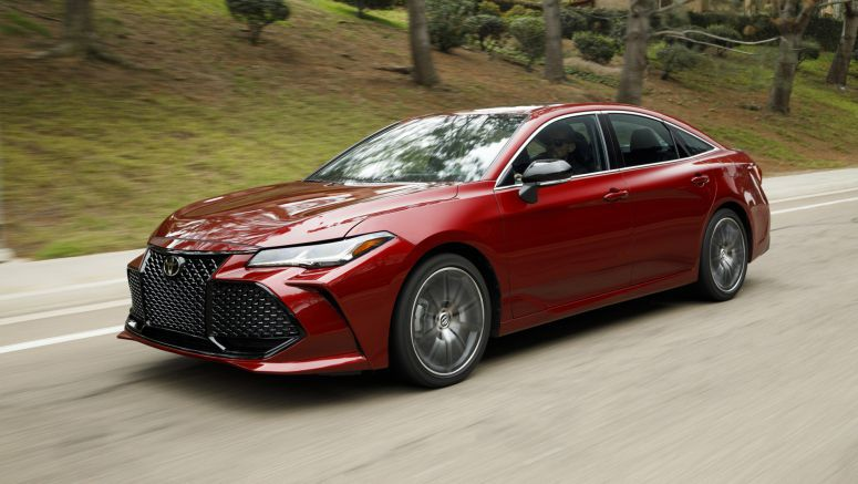 2019 Toyota Avalon vs. full-size sedans: How they compare on paper