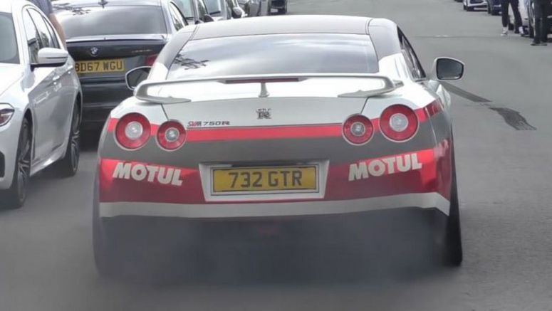 Tuned Nissan GT-R Driver Blows Gearbox Using Launch Control When Cold