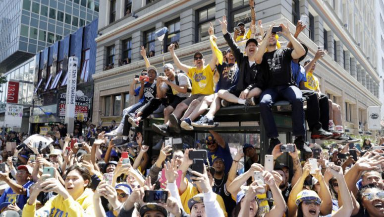 Oakland again celebrates NBA champion Warriors