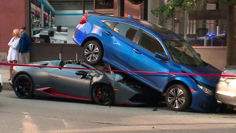 Lamborghini Huracan Spyder Rear-Ends Honda Civic In Chicago