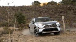 2019 Toyota RAV4 Hybrid Drivers' Notes Review | A wallflower no more