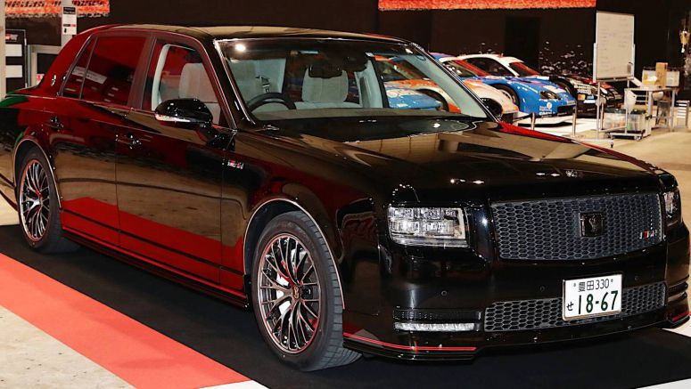 There's Also A Black Toyota Century GRMN – And It's Even Cooler