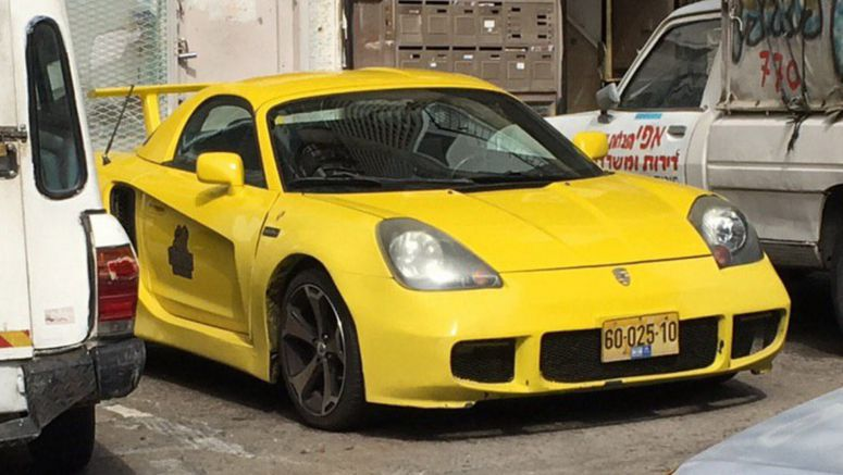 Third-Gen Toyota MR2 Wishes It Was A Porsche Cayman Instead