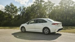 2020 Toyota Corolla Hybrid's EPA Estimates Take It To Prius' Backyard