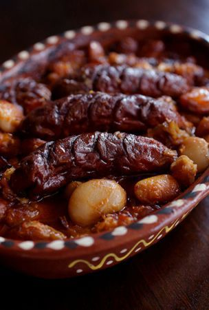 Home-style baked beans dish from a land of gourmandise
