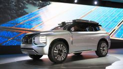 Mitsubishi Engelberg Concept Looks Like An Outlander From The Future (Live Pics)