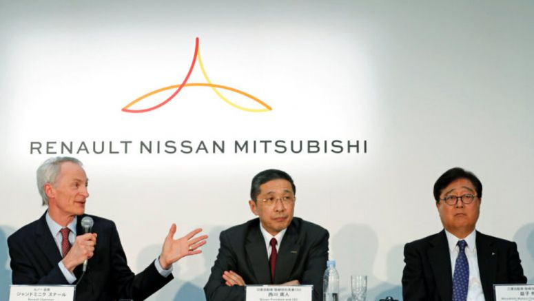 Renault to propose joint holding company with Nissan, Nikkei reports