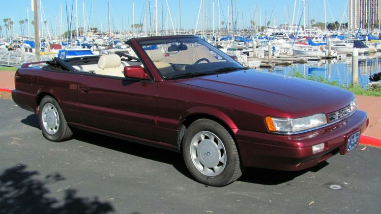 Relive The '90s In This Barely-Driven Infiniti M30 Convertible