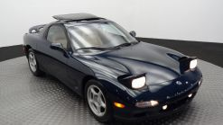 This Low-Mileage 1994 Mazda RX-7 Is On Track To Sell For Over $100k