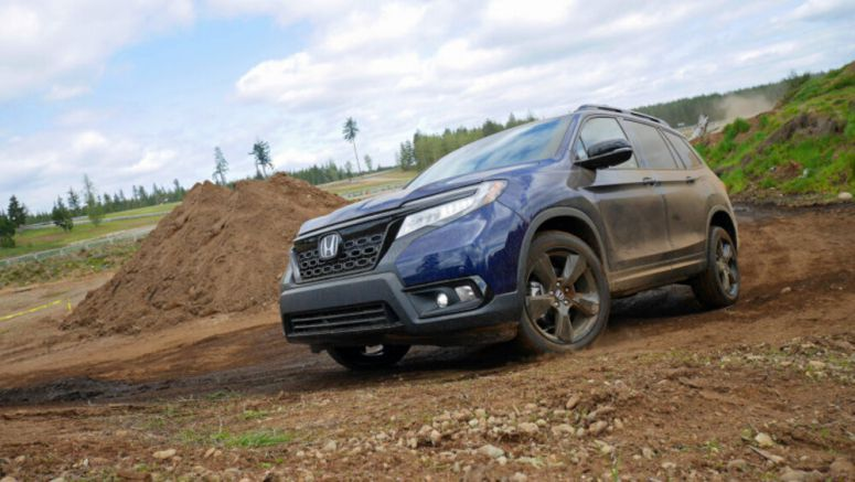 2019 Honda Passport Elite Review | Value-packed road trip champ