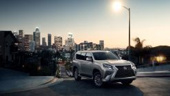 Lexus GX 460 SUV gains technology on the road, and off of it