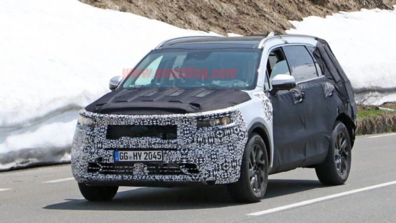 Next-gen 2021 Kia Sorento spied testing in the Alps